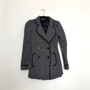 Wrapper Black & White Coat Size Small